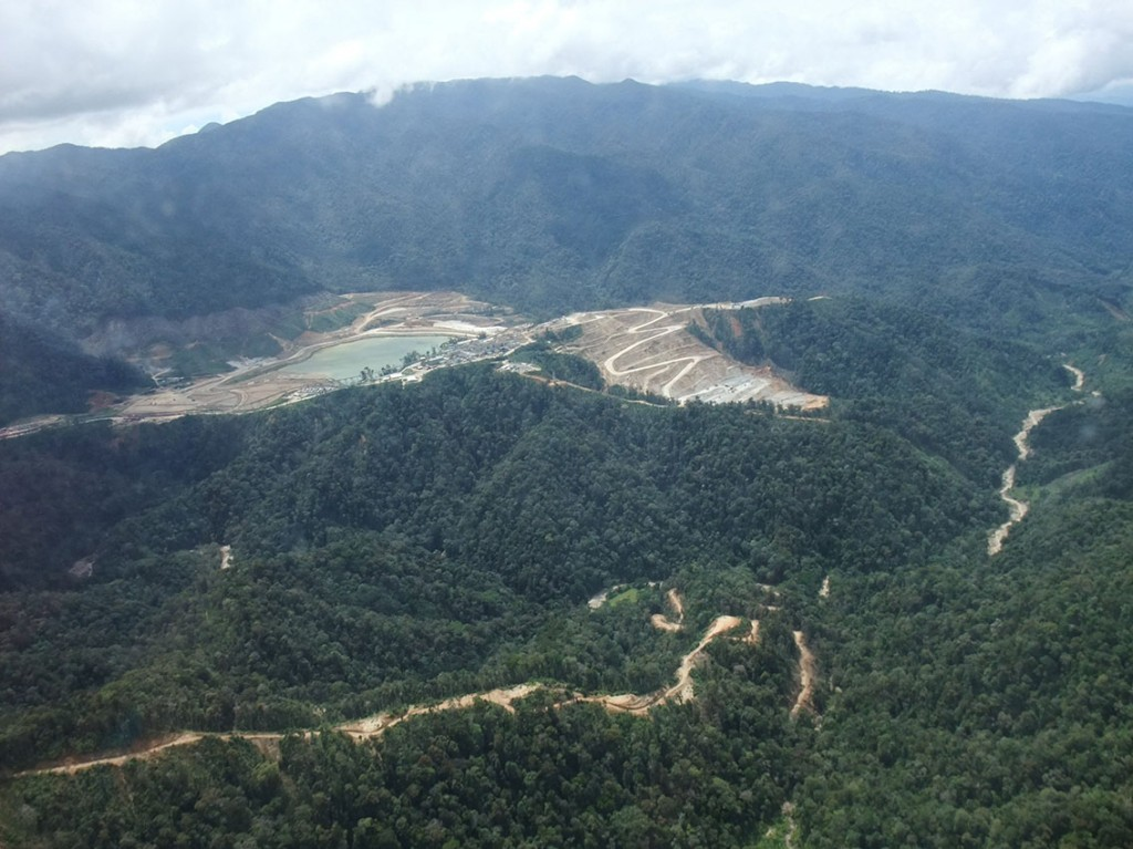 Figure 6: Hidden Valley Au-Ag mine, Papua New Guinea, showing the Hamata pit (centre), tailings storage facility (centre left) and processing mill in between (photo: Gavin Mudd, Mineral Policy Institute, February 2011).